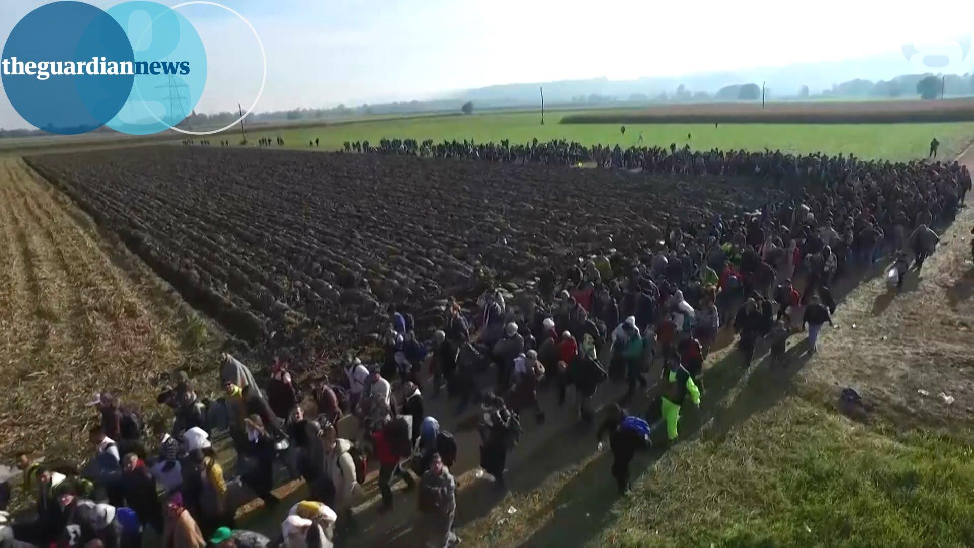 Še lani je migrante vabil, letos ko so lokalne volitve pa si je premislil
